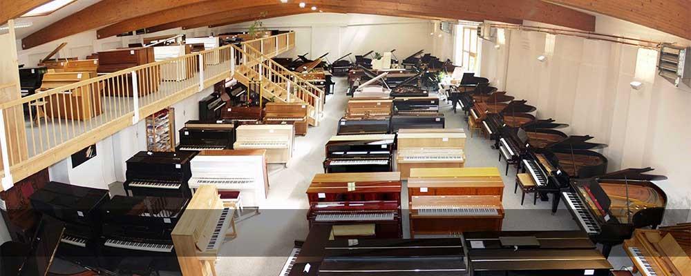 200 Klaviere & Flügel anspielbereit
